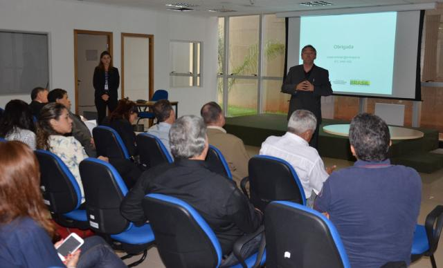 Vivian Chies - Representantes do Conselho de Meio Ambiente da CNI foram recebidos na instituição de pesquisa