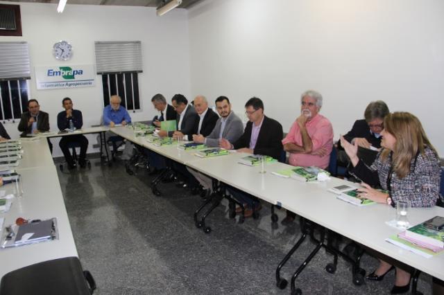 Nadir Rodrigues - Conselho Curador da FFCi reúne-se na Embrapa Informática Agropecuária