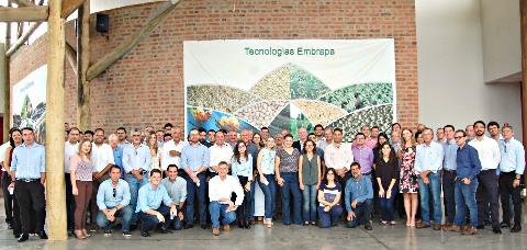 Marcos Vicente - Embrapa - Foto dos participantes do workshop