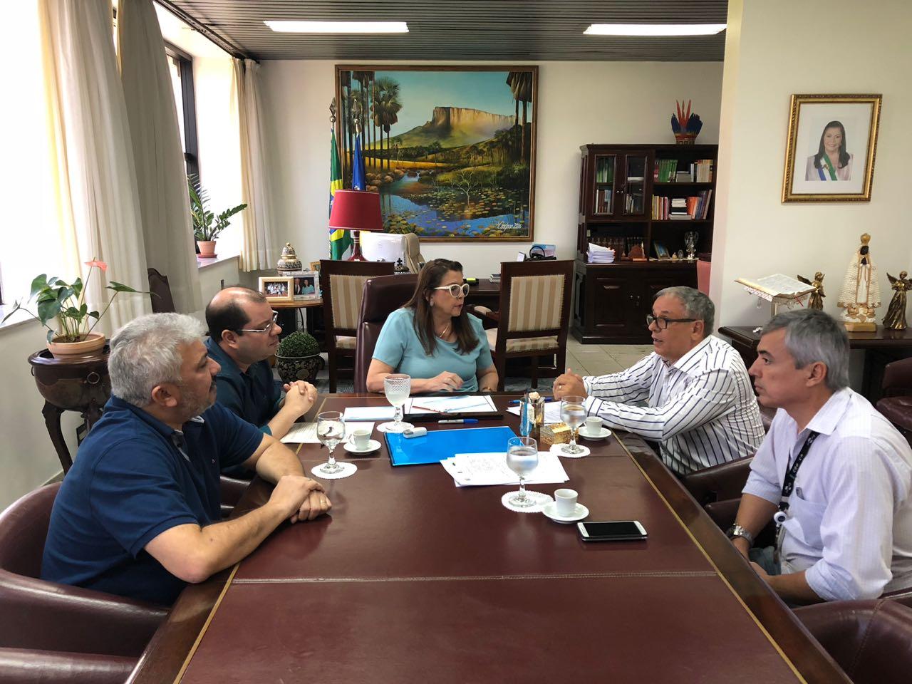Arquivo Embrapa Roraima - Chefe-geral da Embrapa Roraima e governadora do estado, Suelly Campos, assinam acorde para instalação de Polo Cacaueiro