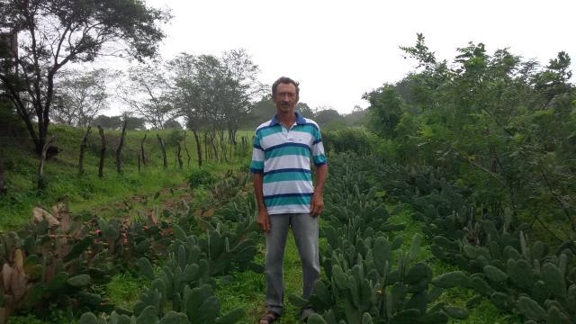 Maria Clara Guaraldo - Manoel Rogério, o agricultor cuja propriedade foi visitada pelo público da oficina