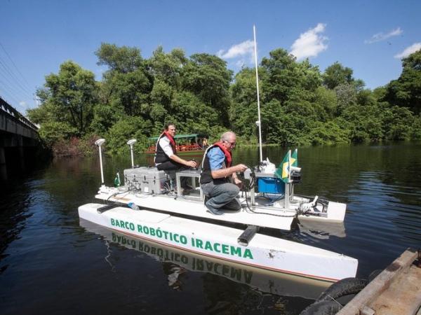 Ascom Ufal - Barco robótico usado na expedição