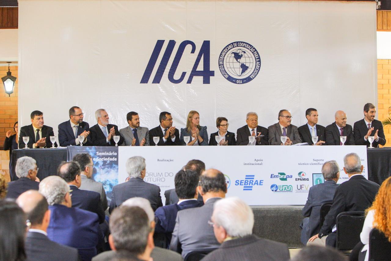 Banco de Imagens IICA - Diretor-executivo Cleber Soares participa da abertura do seminário