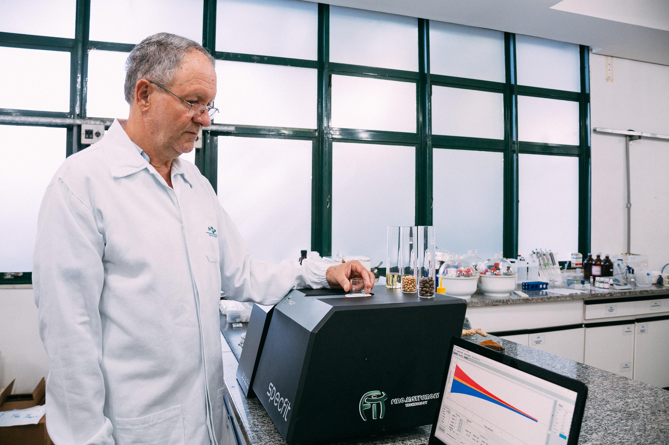 Victor Otsuka - Reconhecido pela comunidade científica com o Prêmio Capes 2019, o pesquisador Luiz Alberto Colnago vê o uso da RMN atingir novos mercados