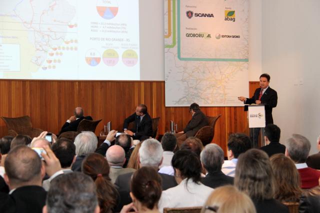 Flávia Fiorini/Embrapa - Durante o 4º Fórum Caminhos da Safra, Evaristo de Miranda apresentou dados sobre a macrologística da agropecuária.