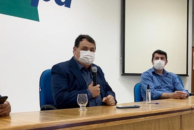 Eugênia Ribeiro - Anísio Lima e Antônio Amaral durante assinatura de Termo de Cooperação